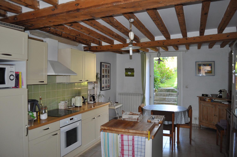 Vente Belle maison en pierre avec jardins et garage